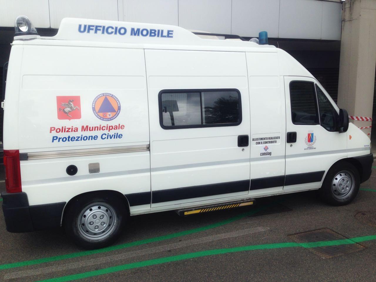 Nuovo allestimento per il furgone ufficio mobile della for Allestimento ufficio