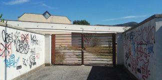 Scuola Lombardo Radice, cancello
