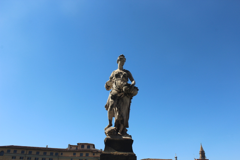 Ponte Santa Trinita-Statua della primavera